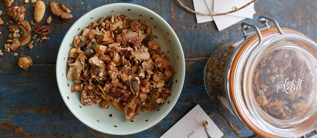 Homemade granola met noten